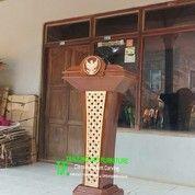 Mimbar Podium Pidato Presiden Warna Finishing Natural Glossy 1338 (27105443) di Kota Jakarta Barat