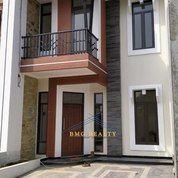 Rumah Keluarga Idaman Yang Beraktivitas Padat Dekat Stasiun Rawa Buntu Dan Gerbang Tol BSD (27276983) di Kota Tangerang Selatan