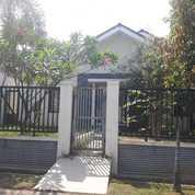 Rumah HOEK Di Aralia Harapan Indah (27304203) di Kota Bekasi