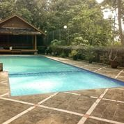 Villa Eklusive Kolam Renang Puncak Cisarua Megamendung (27305427) di Kota Jakarta Barat