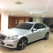 Mercy Mercedes Benz E200 2012 Low KM + Pemakaian 2013 + 9set BAN,MURAH (27327395) di Kota Jakarta Utara