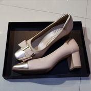 EVERBEST Roselin Almond Size 39 Preloved (27356827) di Kota Semarang