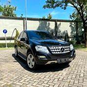 New ML300 Facelift 2011 Black On Beige KM50rb Full Ori Like New #ML350 (27361207) di Kota Surabaya