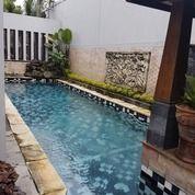 Rumah Mewah Dengan Kolam Renang 441 M2, Jajar, Surakarta (27535487) di Kab. Karanganyar