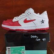 Sepatu Nike SB Dunk Low Supreme Red Swoosh (27602355) di Kota Bandung