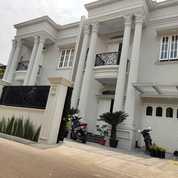 Rumah Mewah Classic Eropa Dengan Kolam Renang Di Kav DPR, Jagakarsa Jakarta Selatan (27702843) di Kota Jakarta Selatan