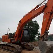 Excavator Hitachi Model ZX200 Tahun 2005 (27762947) di Kota Jakarta Timur