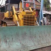 Unit Bulldozer Merek Komatsu Model D65E-6 (27763403) di Kota Jakarta Timur