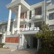 Rumah Mewah 3 Lantai Dalam Kota (27791607) di Kota Makassar