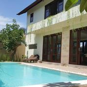 Villa Dikawasan Pantai Keramas Ketewel Gianyar Dengan Vie Sawah (28022927) di Kota Denpasar