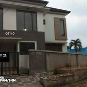 Rumah Bagus Dengan 4 Kamar Di Puri Gading Jati Warna (28077747) di Kota Bekasi