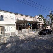 Rumah Cantik Nirwana Eksekutif Baru Gress (28197147) di Kota Surabaya