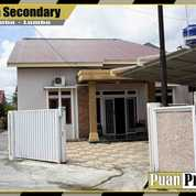 Rumah Cantik Mewah Di Jl.Paus Pekanbaru (28347379) di Kota Pekanbaru