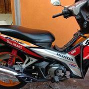 Honda Blade Repsol 2013 (28393983) di Kota Surabaya