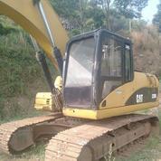 Excavator Caterpillar Model 320D Tahun 2007 (28410375) di Kota Jakarta Timur