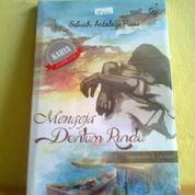 Buku Mengeja Dentum Rindu (28422983) di Kota Semarang