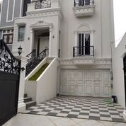 Brand New Rumah Design Classic Siap Huni At Tebet Jakarta Selatan (28595223) di Kota Jakarta Selatan