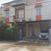 Rumah 2 Lantai Dalam Komplek Kimia Farma Di Duren Sawit (28617419) di Kota Jakarta Timur