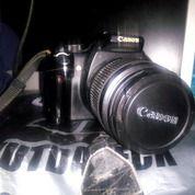 Canon EOS 350 D Masih Bagus Charger Masih Ada Minus Dus Doang. Butuh Uang Buat Bayar SPP :( (28631215) di Kota Bandung