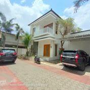 Rumah Mewah Deket JEC (28633707) di Kota Yogyakarta
