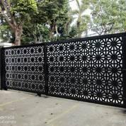 Pintu Gerbang Plat Motip , (28709751) di Kota Kupang