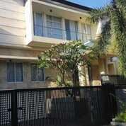Rumah Graha Family Blok O Bangunan Split Level Siap Huni (28960697) di Kota Surabaya