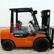 Forklift Toyota 3 Ton Seri 7 Bekas Bergaransi Murah Berkualitas (29108970) di Kota Jakarta Utara