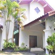 Classic House In Pondok Indah AR184 (29182339) di Kota Jakarta Selatan