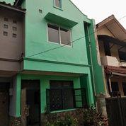 Rumah Hoek Viewnya Bagus Hrganya Terurus Kab Bekasi Jatiwaringin (29210993) di Kota Jakarta Selatan