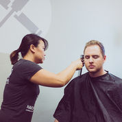 Kursus potong rambut dan make up- Denis Salon (29217741) di Kota Surabaya