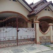 Rumah Ada Kolam Renang Di Vila Mutiara Gading (A2869) (29386382) di Kab. Bekasi
