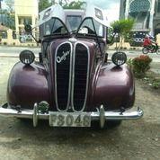 Mobil KlasikAnglia (29395287) di Kota Bukittinggi