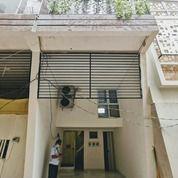 Rumah Minimalis Konsep Apartemen Kalibata Jakarta (29529634) di Kota Jakarta Selatan