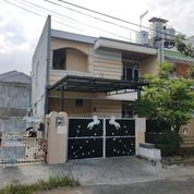 Rumah FREE AC Hadap Barat Atas Bajaringan Di Taman Modern (29548942) di Kota Jakarta Timur