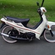 Suzuki Crystal Putih (29621243) di Kota Bandung