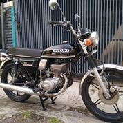 Suzuki GT185 1975 Motor Twin Antik Klasik Istimewa Koleksi Classic Langka Bkn Gt380 Gt125 Gt750 (29664349) di Kab. Cirebon