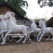 Patung Kuda Fiber (29815588) di Kota Magelang