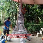Replika Menara Eiffel Kecil (29820956) di Kota Magelang