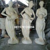 Patung Wanita Klasik (29820994) di Kota Magelang