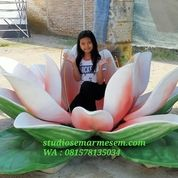 Hiasan Bunga Teratai (29821020) di Kota Magelang