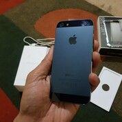 IPHONE 5 32GB SECOND (29982011) di Kota Malang