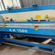 Mesin Shearing Potong Plat 4mm X 1500 Mm (29984582) di Curug