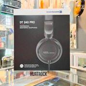 Profesional Headphone Monitor Beyerdynamic DT 240 Pro (30039556) di Kota Bandung