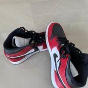 """Air Jordan 1""""MID CHICAGO TOE"""" (30129110) di Kota Banjarbaru"""