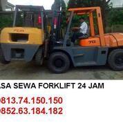 TEBET JASA RENTAL FORKLIFT. HUB : 0895.1815.0150 / 0852.8393.6565 (30314037) di Kota Jakarta Barat