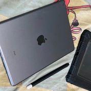 Ipad 8th Gen 32 GB.Wifi. Plus Aplle Pencil. (30349869) di Kota Bandung