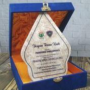 Vandel Marmer Penghargaan Dan Kenang - Kenangan (30622422) di Kab. Malang