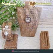 1 Set Tempat Display Perhiasan (Tempat Cincin, Gelang Kalung) (30962790) di Kab. Sidoarjo