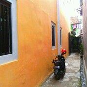 RUMAH KONTRAKAN PLUS KOST2AN 2 LANTAI (31036495) di Kota Jakarta Pusat