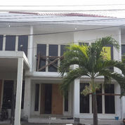 Rumah Baru Nginden Intan